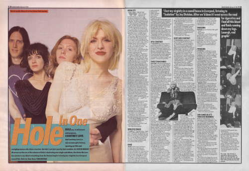 withering-withering:  Caitlin Moran interviews Hole, 19th February 1994. Photos by Tom Sheehan. link to view in bigger size:  http://archivedmusicpress.files.wordpress.com/2009/03/caitlin-moran-interviews-hole-19th-february-1994.jpg