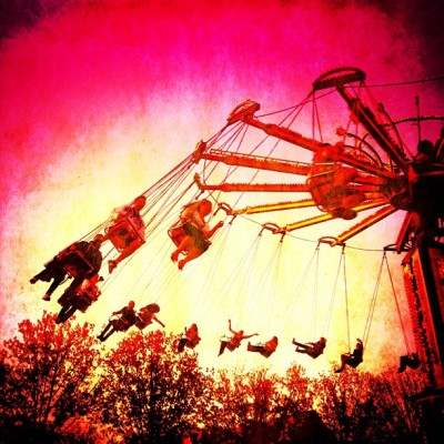 Swings #TCNJ #funival #fun #vivid #contrasty #happy #love #iphoneonly #carnival #swings #rides #deluxefx  (at The College of New Jersey)