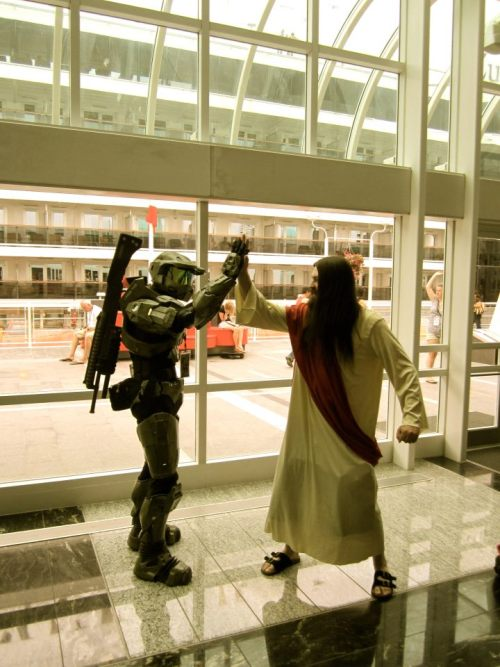 """Jesus Christ! Its Master Chief! Take a picture with him!"" (via Reddit)"