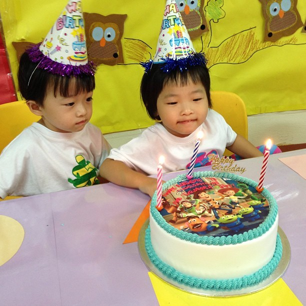 My first #birthday celebrants of the year. They're #twins too! 👫🎉🎂