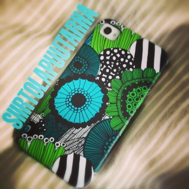 #Marimekko #iPhone #cover #Siirtolapuutarha. #Gift for my #wife. #houseindustries