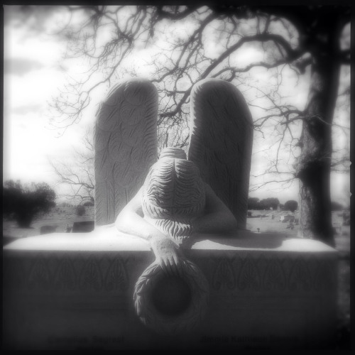 """Grief"" Taken 02/02/13 at the Cedar Lawn Cemetery in Jackson, MS. Hipstamatic with PS Effects applied."