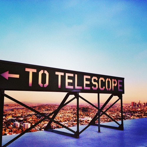 ⬅🔭🌆⛅#LA #DTLA #instagramchallenge #sunset #losangeles #science #telescope #observatory #griffith #hikeseason #hike  (at Griffith Observatory)