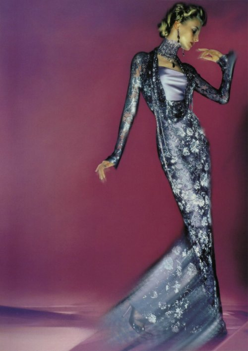 notordinaryfashion:  john-galliano-blog:  John Galliano for Christian Dior Spring Summer 1998 Ready-to-Wear  Love love love