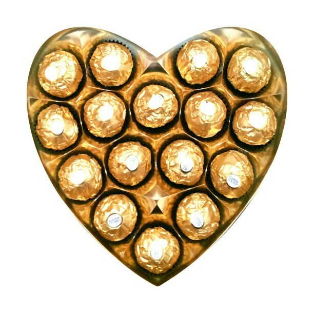 Happy Valentines Day to all! #holidays #heart #chocolates #cute #adorable #gold #foil #tasty #yummy #candy #food #gift #valentines #bemine #love #instahooked #instafamous #instalove #instagood #instamatic #bestoftheday #shapes #kawaii