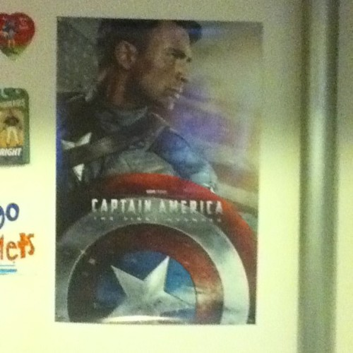 My GORGEOUS new #CaptainAmerica poster, also a bday gift ❤😁