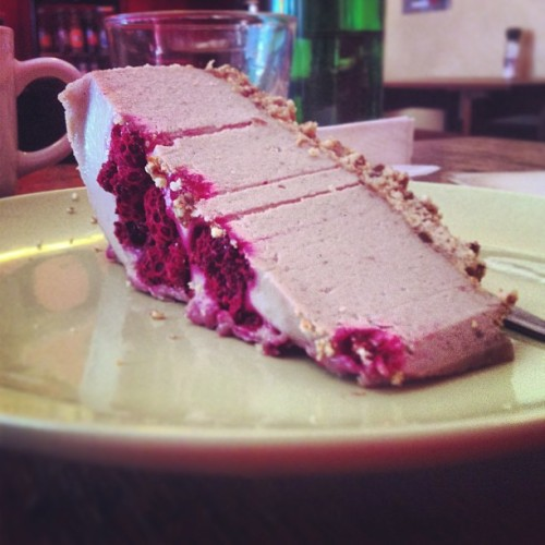 Now for this! #vegan #raw #cheesecake #berries