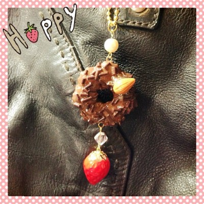 Decorate your purse~👜 #fakefood #fakesweet #sweetdeco #keychain #purse #handmade #handcraft #handbag #strawberry #donut #accessories #accessory #kawaii #cute #cutepicture #girly