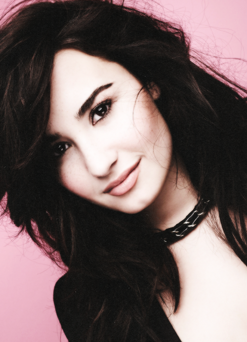 09/500 FAVORITE PHOTOS OF DEMI LOVATO