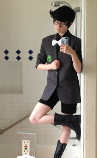 izumikage:  pheebadohdoh:  brodave:  sorry for the shitty bathroom pic but MAN were on our way  cutie alert  Aaah that hair is precious!