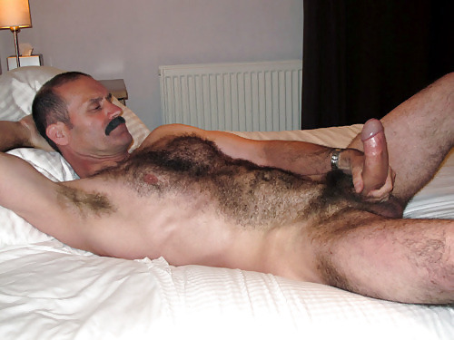 pounce82:For galleries of hot Bears, Dads and the horniest reblogs. Over 6300+ pictures of hot mature men uploaded daily. Please subscribe if you like what you see! http://pounce82.tumblr.com