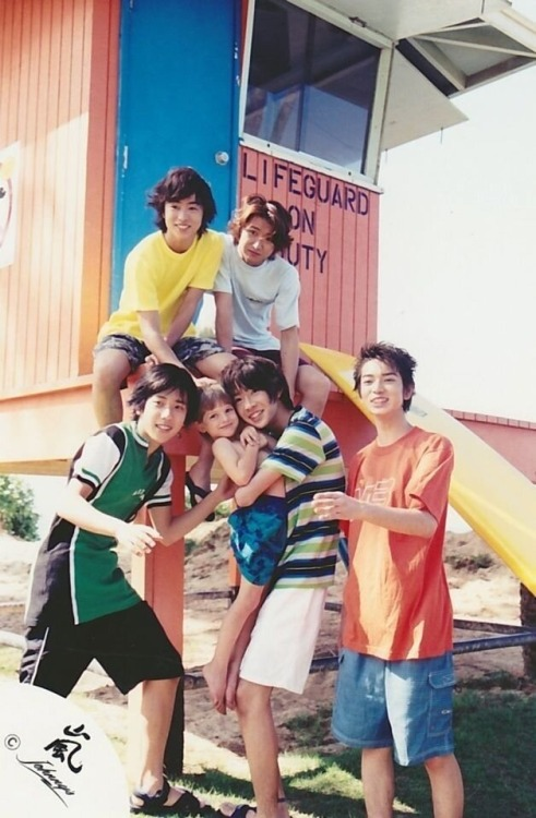 laugh-with-me-aiba:  I really like this photo <3