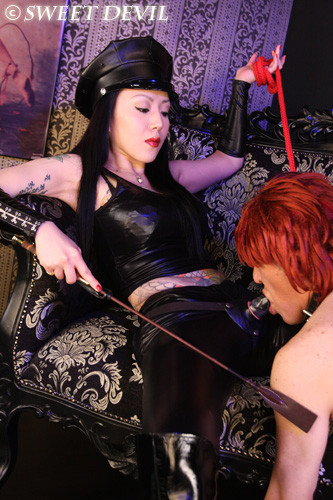 orientalfd: Boot Fetish Dominant Feet Femdom, Sissy and Cuckold