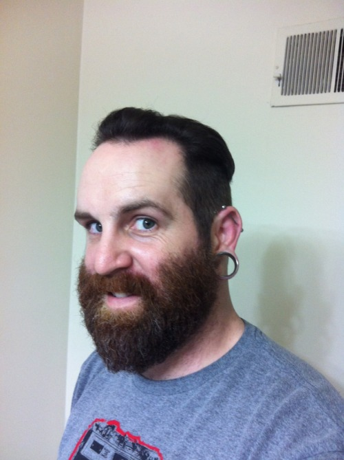 beardsandmustachescrew:  Submission- new look and I'm digging the beard. Thank you sir.     www.beardsandmustachescrew.tumblr.com