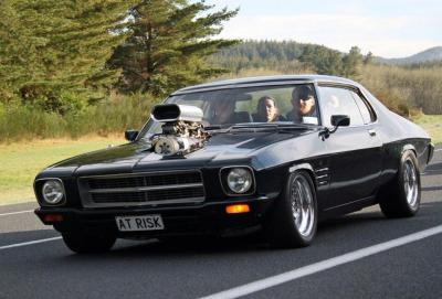 chromencurves:  Holden HQ Monaro.Mean as fuck!