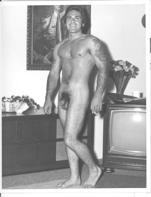 Vintage hot guy with a small cock!Check out these hot blogs if you are not already following!http://small-cut-cock.tumblr.comhttp://nakedguys99.tumblr.comhttp://guytasmic.tumblr.comhttp://hotandnaked99.tumblr.comSUBMIT YOUR SELF PICS!