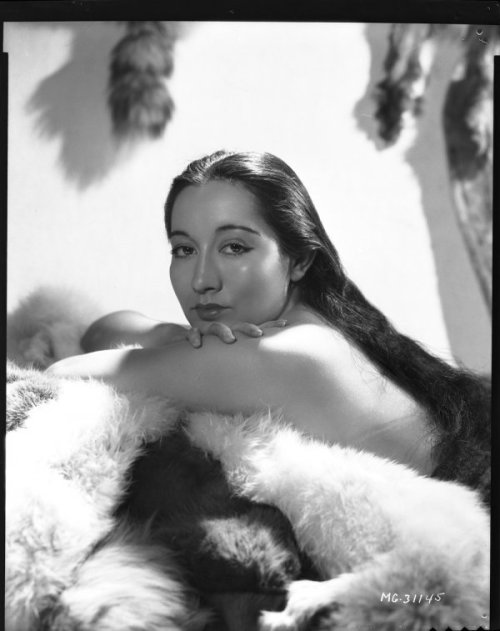 sisterwolf:  Lotus Long - George Hurrell