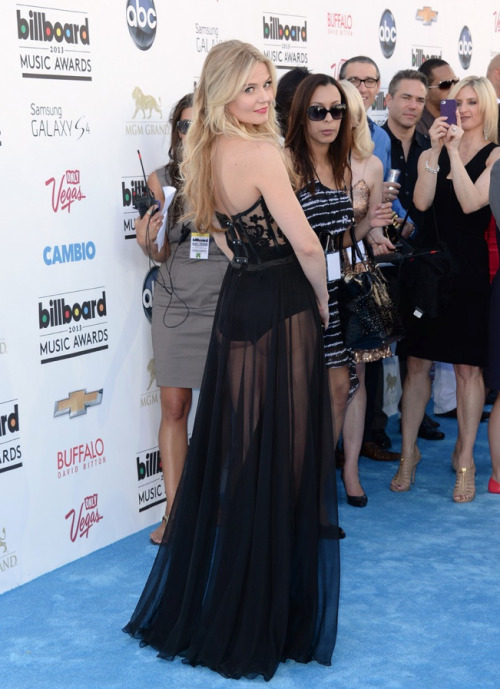 souslecieldesf:  Jennifer Morrison @ Billboard Music Awards 2013