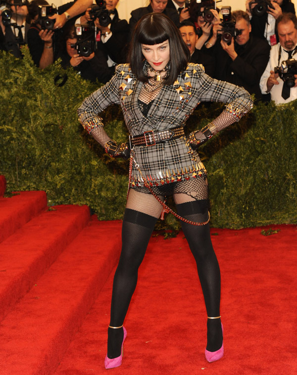 mistykingma:  Hands down Madonna was my fav look at the Met Gala last night— she took the 'Punk' theme to the extreme. AND THAT POSE!