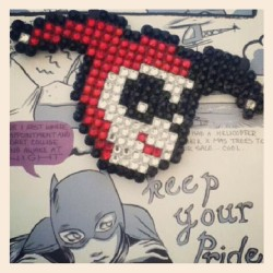 My #harleyquinn necklace by @pixelxprincess #dccomics #necklace #pixel #batman #harleen #quinn