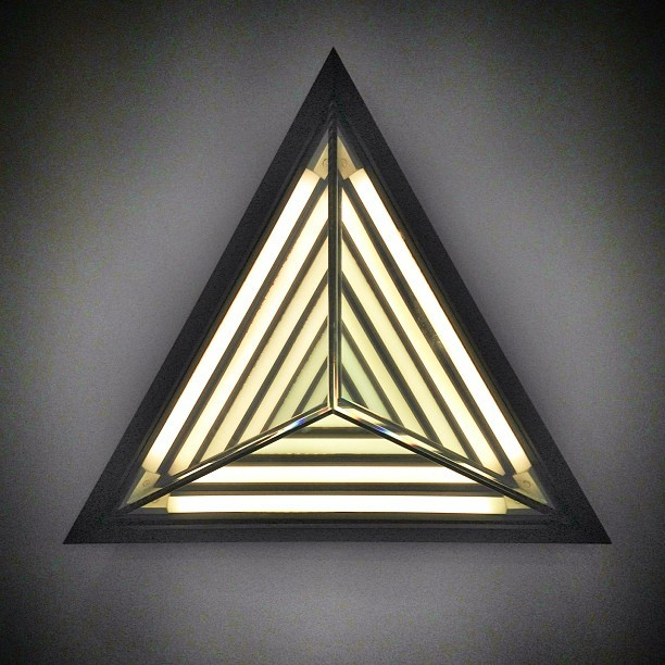 My interpretation of Rosie Li's design Stella Triangle @rollandhill #icff #lighting #rollandhill #nyc #risd 💗#interiordesign #design (at Jacob K. Javits Convention Center)