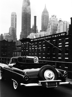Marilyn photographed in New York City by Sam Shaw, 1957.
