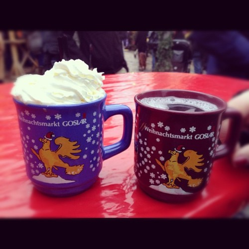 Hot chocolate and glühwein with @cassanderrr :-) #goslar #christmas #market #hot #chocolate #wine #instagood #instamood #life  (at Weihnachtsmarkt Goslar)