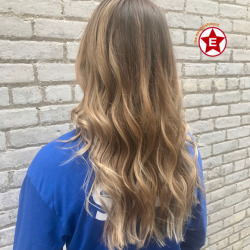 Summer balayage by Steph || #milwaukeestylist #modernsalon #hairgoals #establishmentwi #avedacolor #aveda #hairgoals #hairofinstagram #hirideas || (at The Establishment Salon)