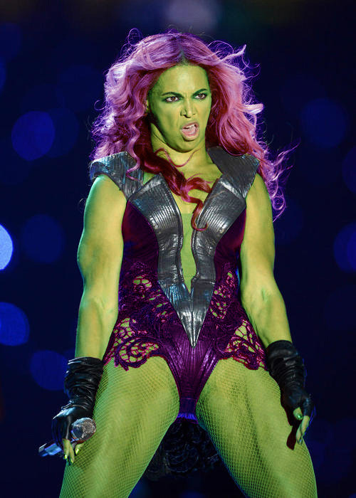 nevver:  She-Hulk revealed  Unflattering, my ass.