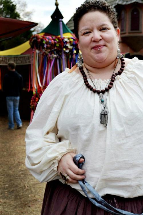 lovelyfatties:  Renn Faires are amazing!