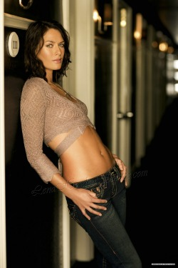 girlsindenim:   Lena Headey