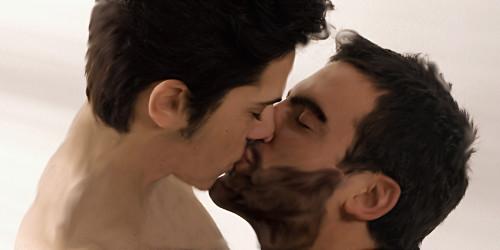 igotlostinslashland:  Today I got my first pay check and I needed to celebrate with a Sterek kiss( ^▽^)