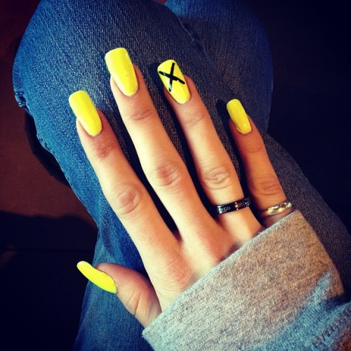 melissamillionaire:  new nail$ doe. neon yellow jaunt ✨💅💥💎🔥💵💛 #melissamarie #melissamarielifestyle #acrylic #nails #neon #yellow #asianbarbie #fresh #businessneverquits #fancyhuh #bitch #millionaires #youngandrich #yourgirldoesparty