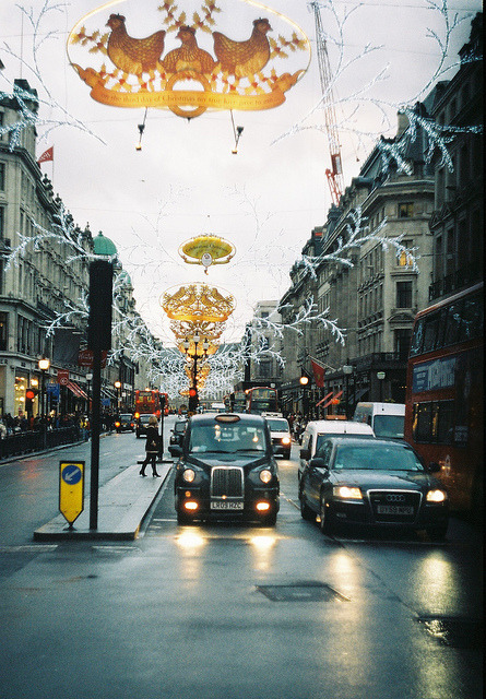 w4lrusss:  London, Dezembro 2012 by ummalmequer on Flickr.