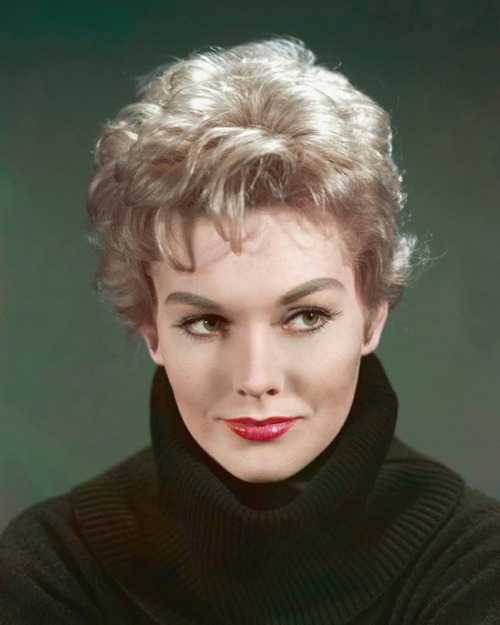 theniftyfifties:  Kim Novak