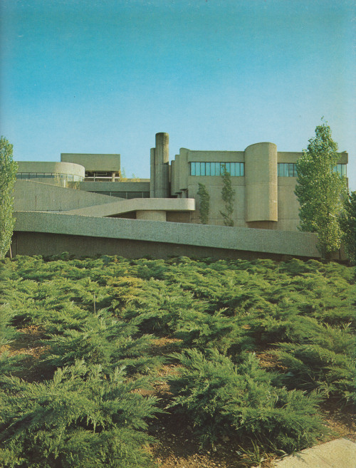 fuckyeahbrutalism:  Endo Laboratories, Garden City, New Jersey, 1962-64 (Paul Rudolph)