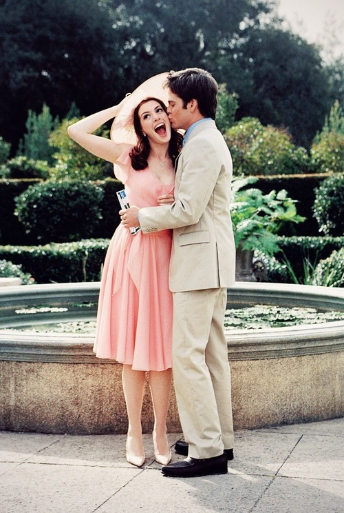 suicideblonde:  Anne Hathaway and Chris Pine in The Princess Diaries 2