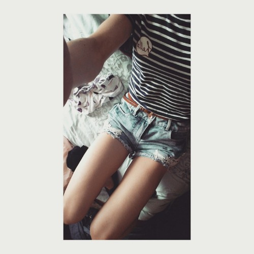 thighs shorts high waisted indie Ana Mia anorexia eating disorder starve bones collar bones suicide thinspo