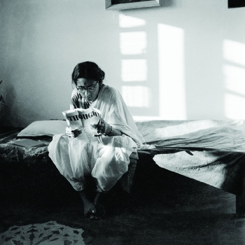 southasiancontemporary:  Richard Bartholomew Rati reading Thought, Old Delhi 1958