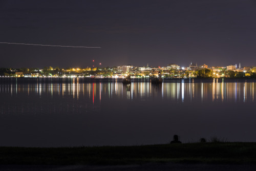 theadventuresoflink:  Long Exposure of Burlington from Oak Ledge Park.