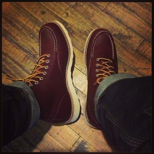 S/O to #Kevin for these #redwing #heritage ox bloods! Perfect and right on time for this weather. #shadesdet