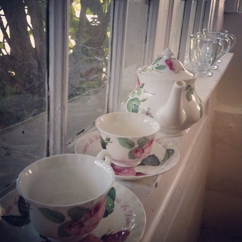 #coffee #tea #cups #pretty #roses