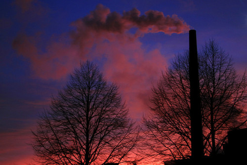 leviergeaujourdhui:  Sunset by vanessawoz on Flickr.