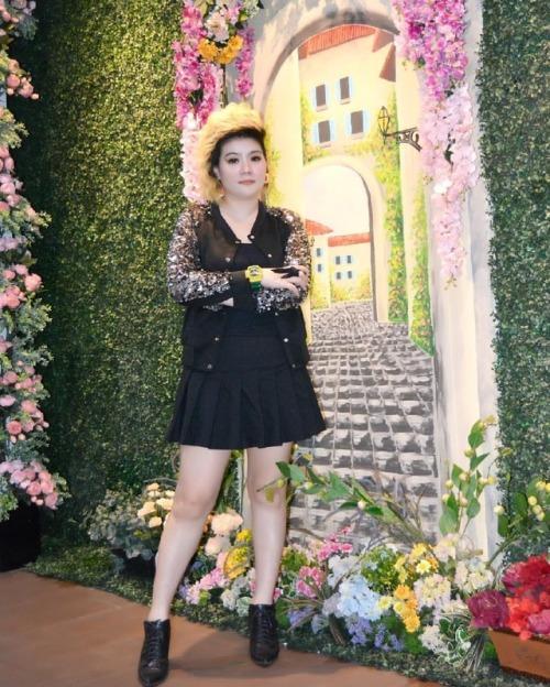 #birthdaygirl#newfriends#partydinner#bff#afternoon#ootd#flower#tile#starkela#selegram#hitz#friday#weekend#photoshoot#bff#ootdindo#ootdidku#ootdlike#photography#billiekitchen#mylove#metime#pastel#stylist#fashion#brighter#instafashion#beautystylist#instalike#instablogger#blogger https://www.instagram.com/p/BwWJXtKl-tc/?igshid=187bgjr2t4mbk #birthdaygirl#newfriends#partydinner#bff#afternoon#ootd#flower#tile#starkela#selegram#hitz#friday#weekend#photoshoot#ootdindo#ootdidku#ootdlike#photography#billiekitchen#mylove#metime#pastel#stylist#fashion#brighter#instafashion#beautystylist#instalike#instablogger#blogger