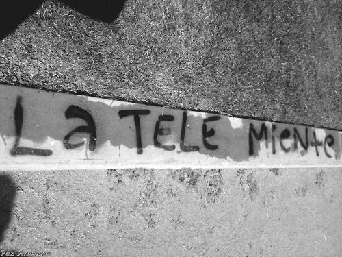 Si la tele miente… apágala, simple…