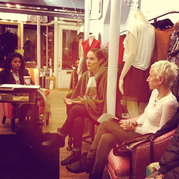 Manufacture NY #Designers Meetup feat. Angela Perea of @PostAlleyBtq #buylocal #sellyourline #insidertips (at Post Alley Boutique)