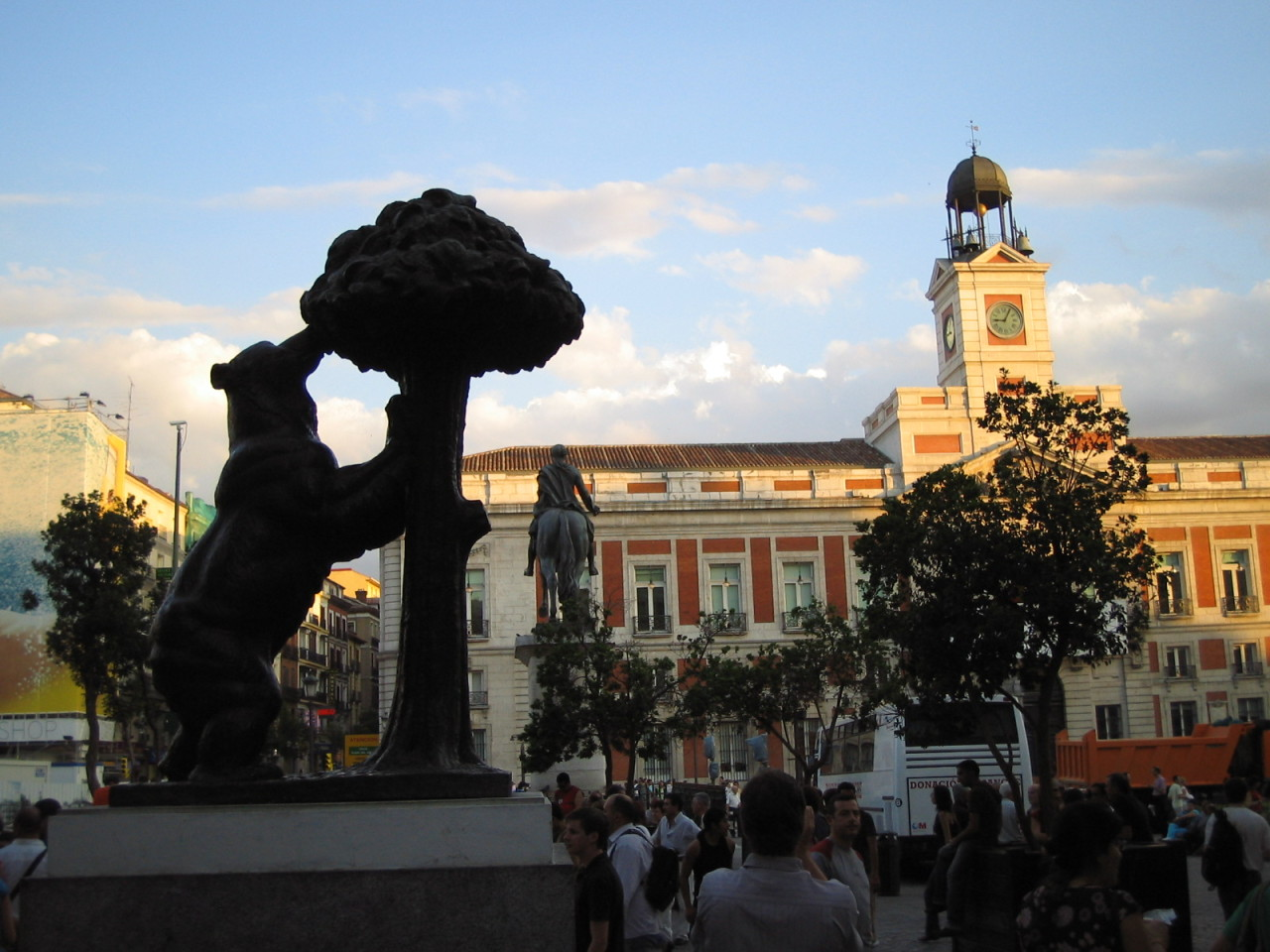 Spanish Iphone Apps: Taplingua - Cultural Bite: Madrid's Puerta del Sol ¡Hola! If you are planning to travel to Spain or Latin America this Spring or Summer, or even…View Post