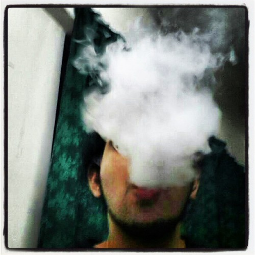 Puff puff and away… smoking is not cool kids.. try vapin instead #vapeface #vapormalaysia #vapeordie #vapeporn #vape #vapor #provape #provari #provarian