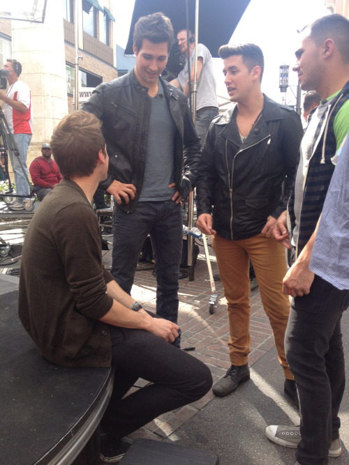 boyzcity:   Big Time Rush at the Extra shoot in The Grove. 4.15.13  I've seen pornos that started like this.