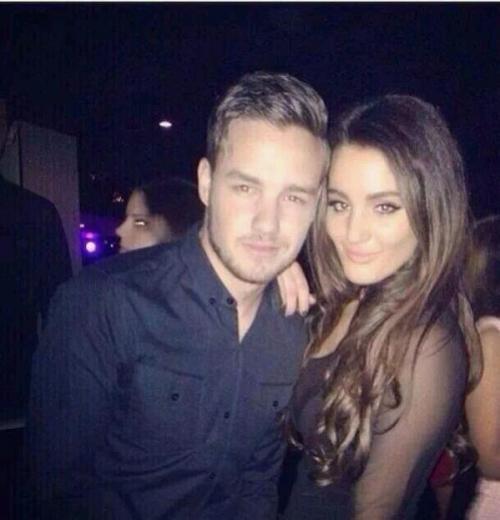 Liam With a Fan In London (2.15.14)